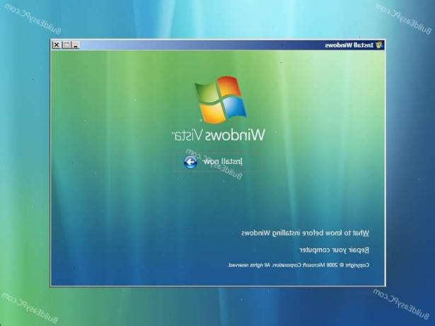Hur man installerar Windows Vista. Sätt in Windows Vista-DVD i datorns DVD-enhet för att påbörja installationen.